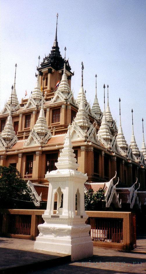 Wat Rajanada bangkok