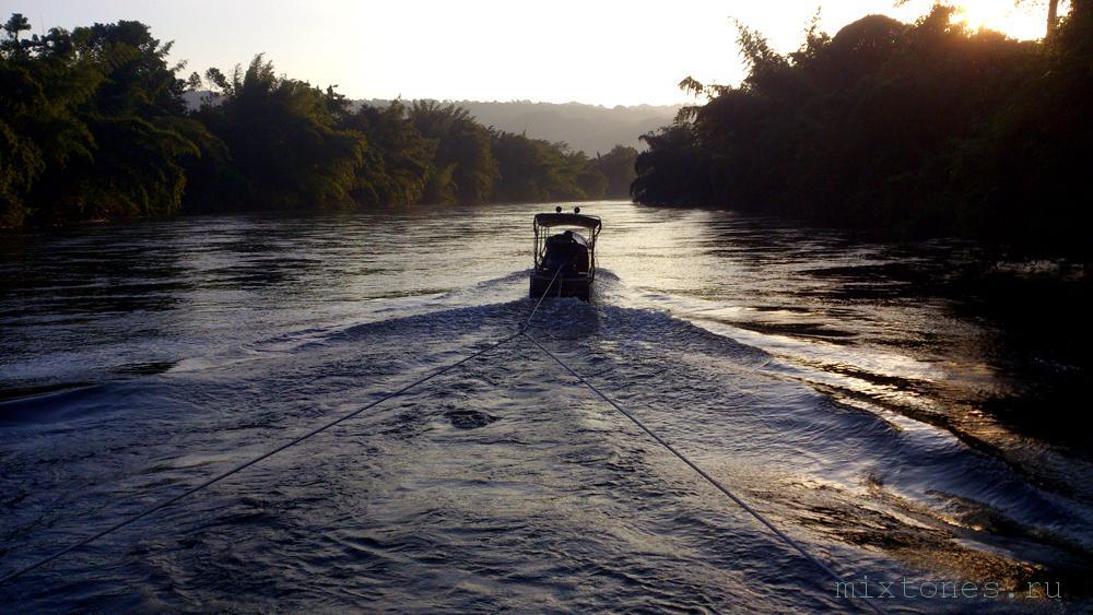 reka kwai v tailande
